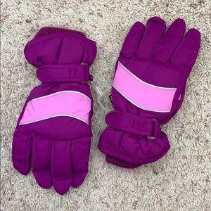 Children's place purple winter gloves size 8-14
